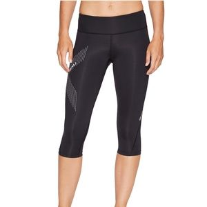 2XU 3/4 Mid-Rise Reflective Compression Tights
